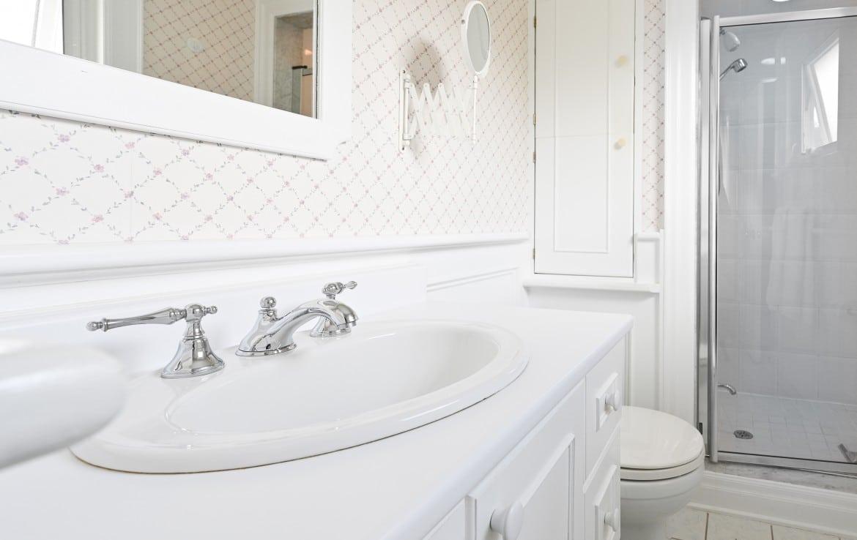 Bathroom featured at 1466 Bunsden Avenue, Mississauga, ON at Alex Irish & Associates