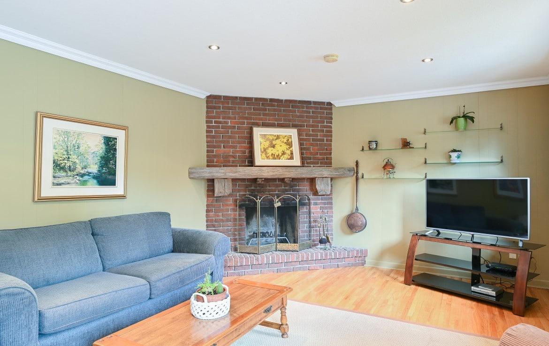 Living room featured at 1466 Bunsden Avenue, Mississauga, ON at Alex Irish & Associates