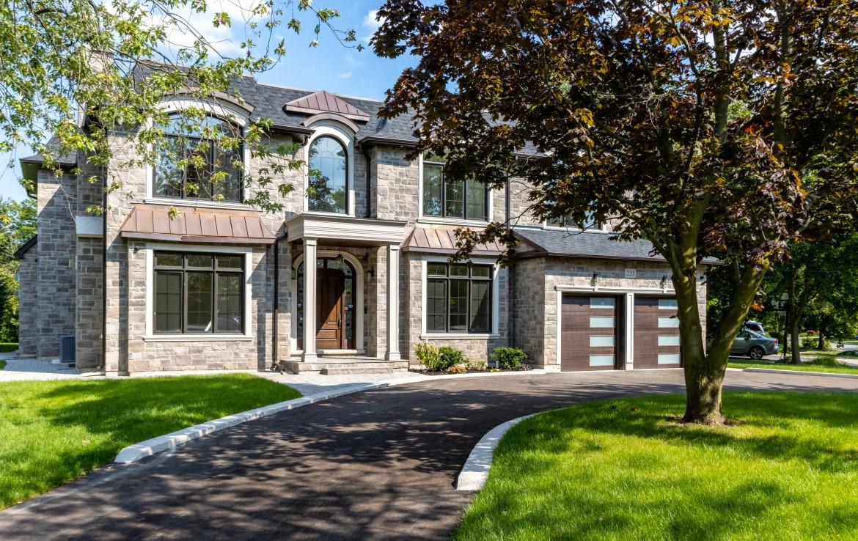 Custom Home 235 Willowridge Court, Southwest Oakville at Alex Irish & Associates