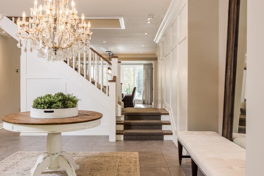 Living room featured at 2552 Jarvis Street, Mississauga, ON at Alex Irish & Associates