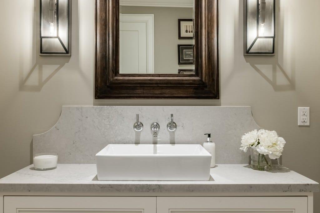 Bathroom featured at 2552 Jarvis Street, Mississauga, ON at Alex Irish & Associates