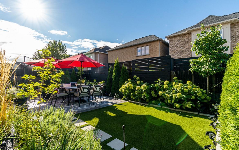 Garden featured at 3342 Moses Way, Burlington, ON at Alex Irish & Associates