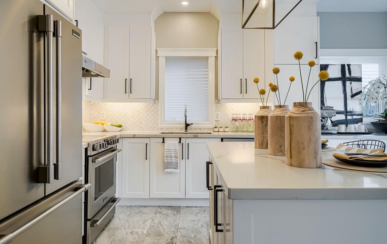Kitchen featured at 3342 Moses Way, Burlington, ON at Alex Irish & Associates