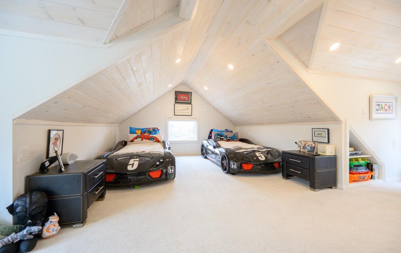 Kids Bedroom featured at 199 Allan Street, Old Oakville, ON at Alex Irish & Associates