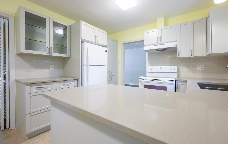 Kitchen featured at 1389 Saginaw Crescent, Mississauga, ON at Alex Irish & Associates