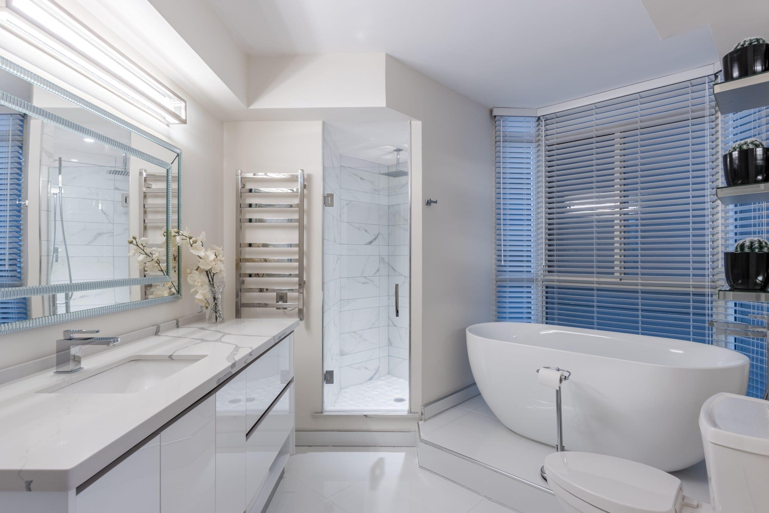 Bathroom featured at 508 – 415 Locust Street, Burlington, ON at Alex Irish & Associates