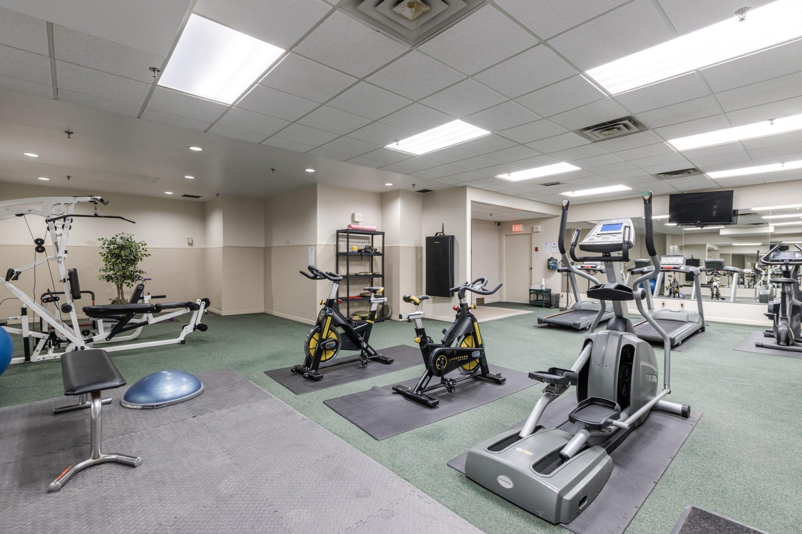Gym featured at 508 – 415 Locust Street, Burlington, ON at Alex Irish & Associates