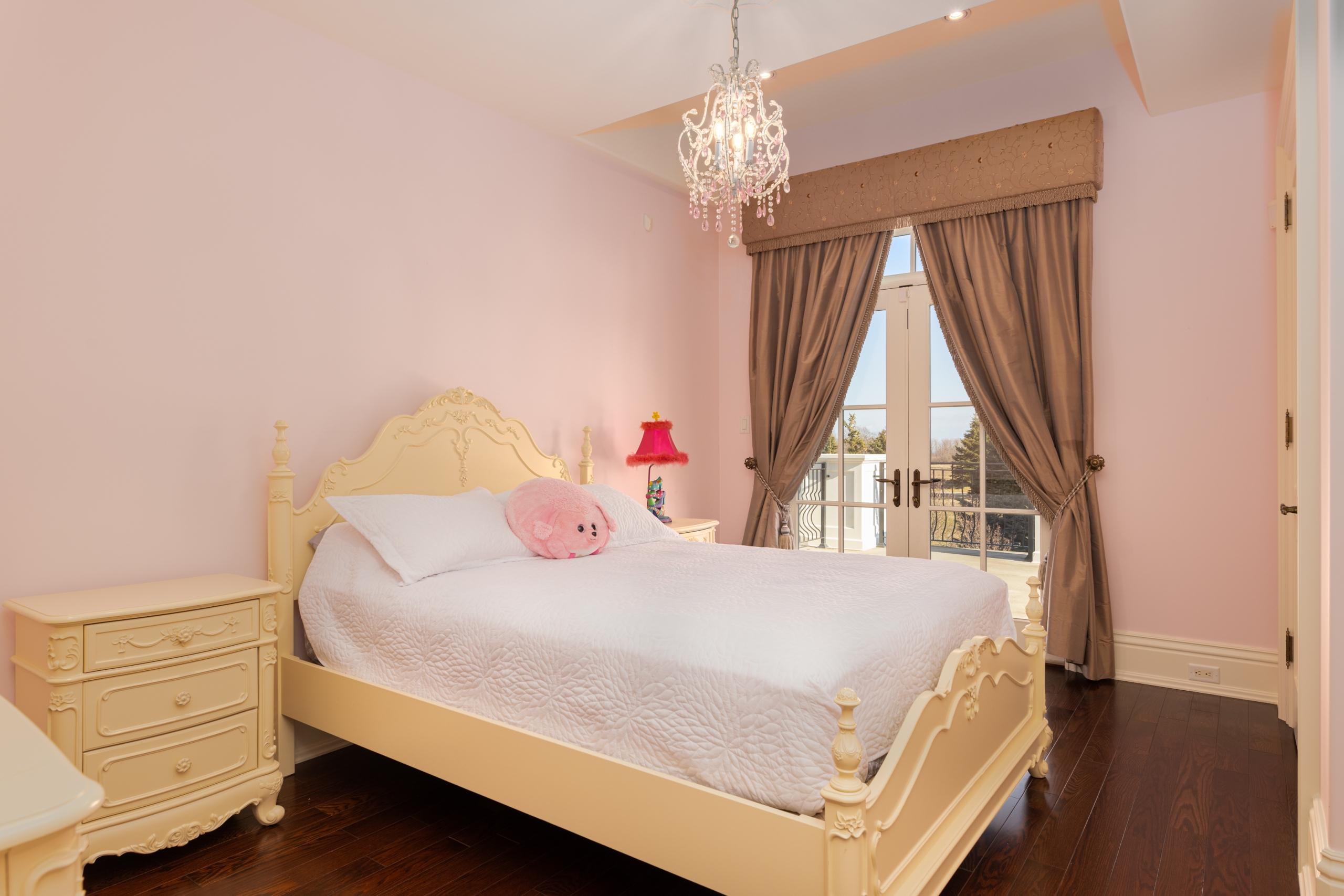 Bedroom featured at 2594 Bluffs Way, Burlington, ON at Alex Irish & Associates