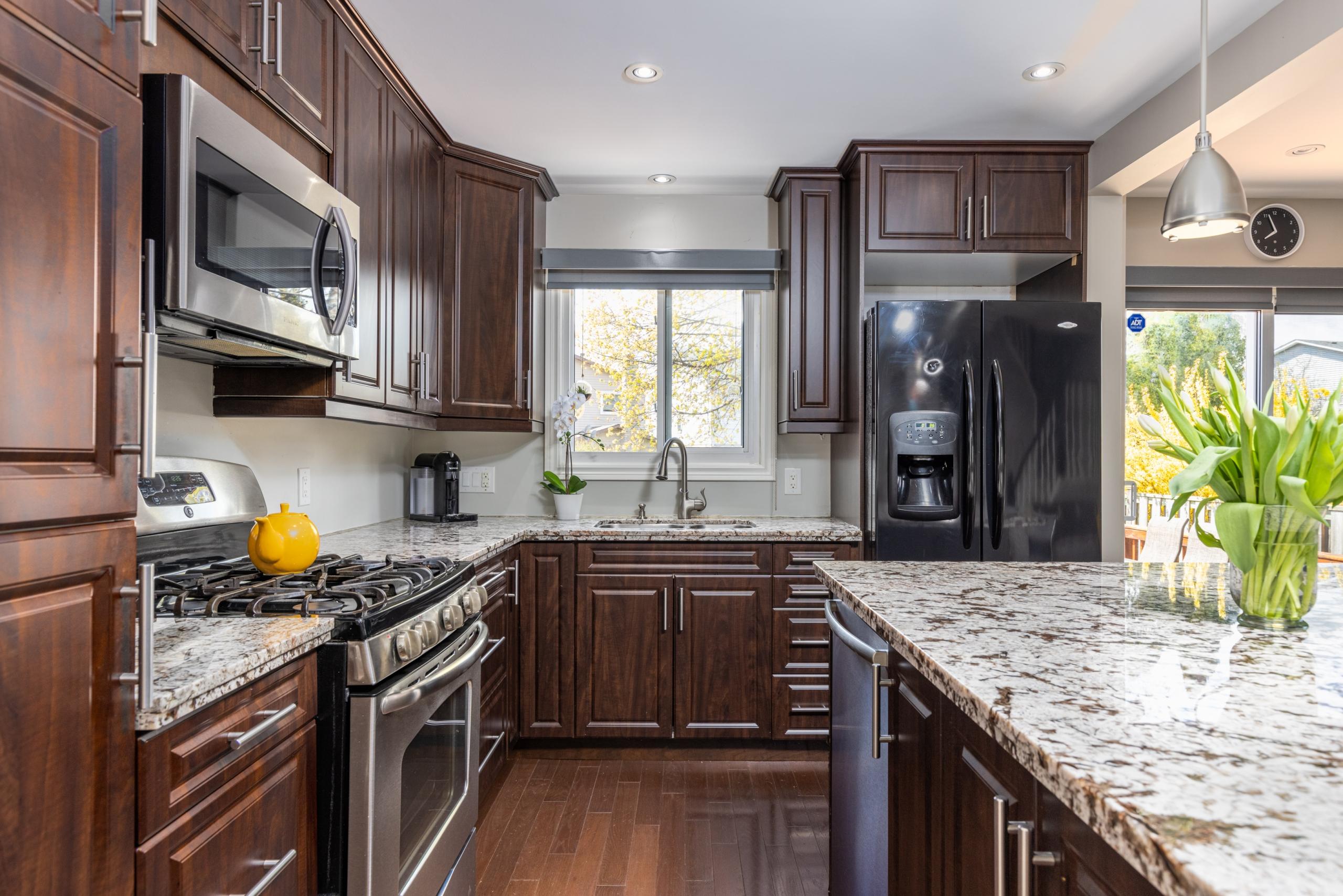 Kitchen featured at 3505 Quilter Court, Burlington, ON at Alex Irish & Associates
