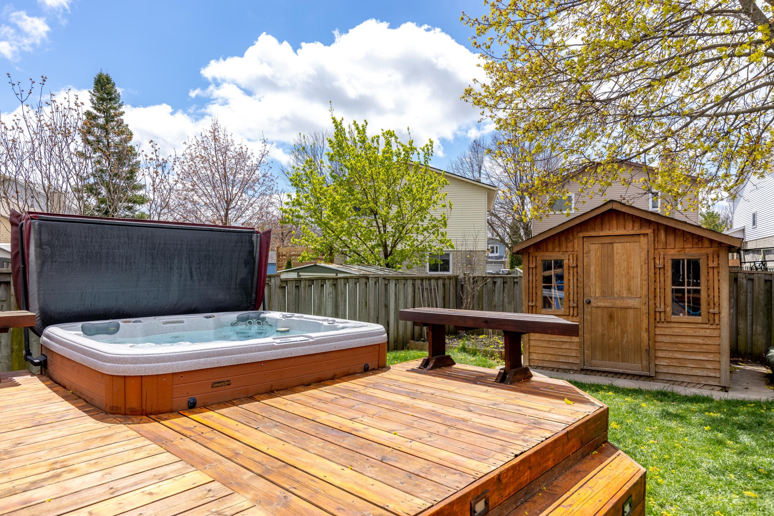 Swimming pool featured at 3505 Quilter Court, Burlington, ON at Alex Irish & Associates