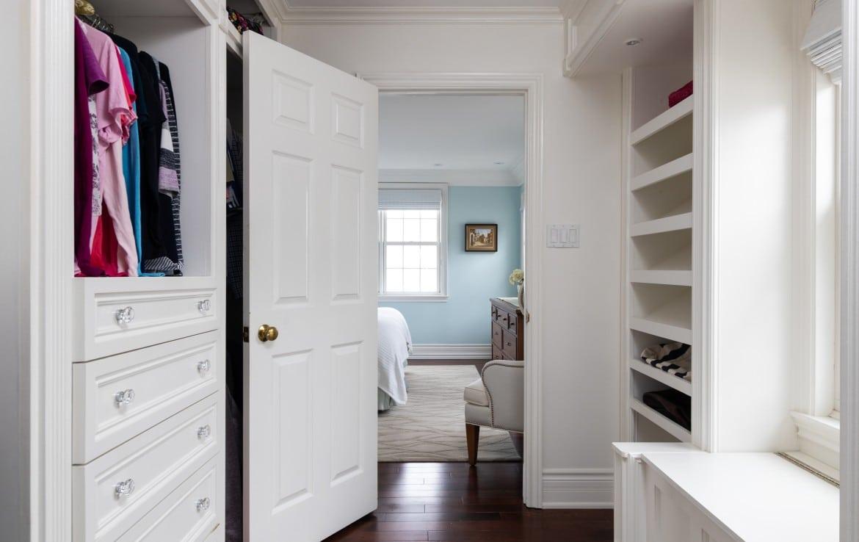 Bedroom featured at 272 Cliffcrest Court, Burlington, ON by Alex Irish & Associates