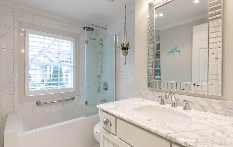 Bathroom featured at 272 Cliffcrest Court, Burlington, ON by Alex Irish & Associates