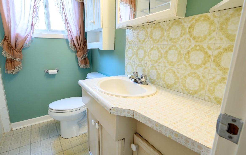 Bathroom featured at 1234 Kane Road, Mississauga at Alex Irish & Associates