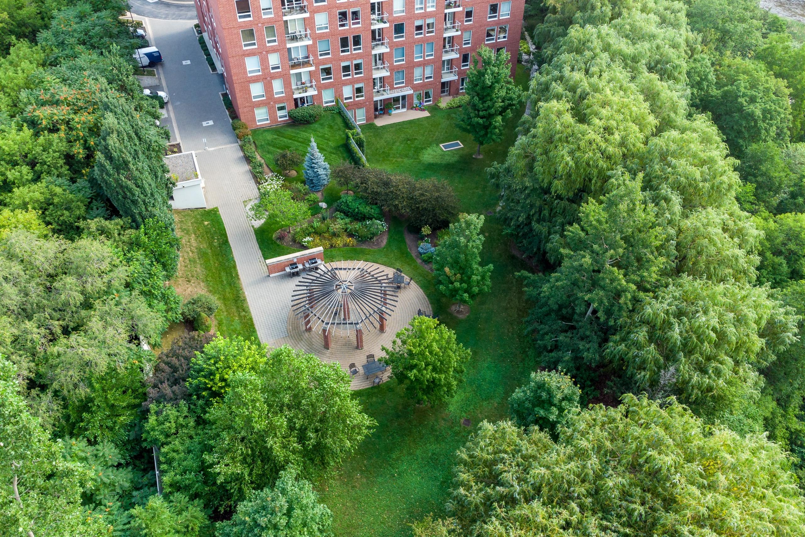 Garden featured at 508-40 Old Mill Road, Oakville at Alex Irish & Associates