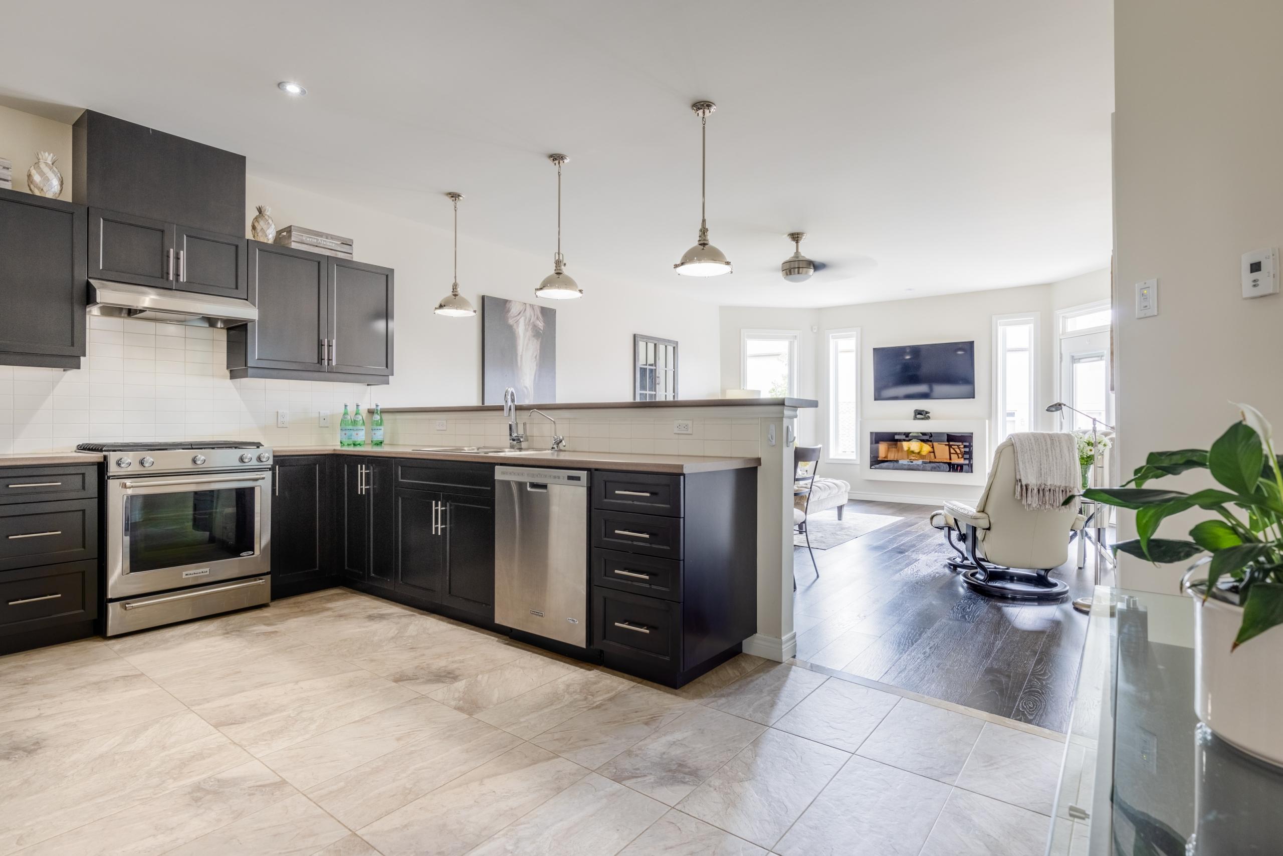 Kitchen featured at 7 Finton Lane, Binbrook, ON at Alex Irish & Associates