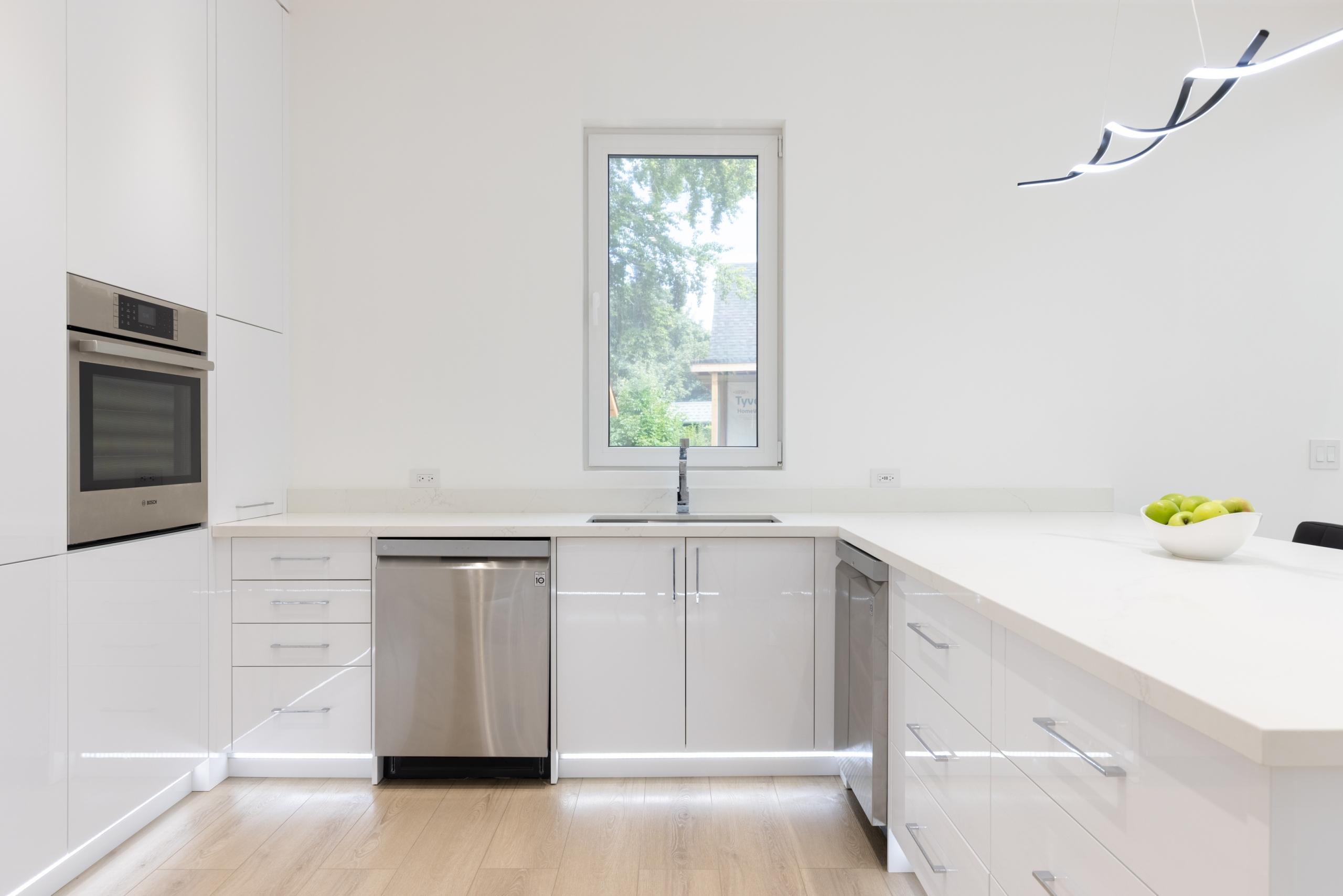 Kitchen featured at 287 Sabel Street, Oakville, ON at Alex Irish & Associates