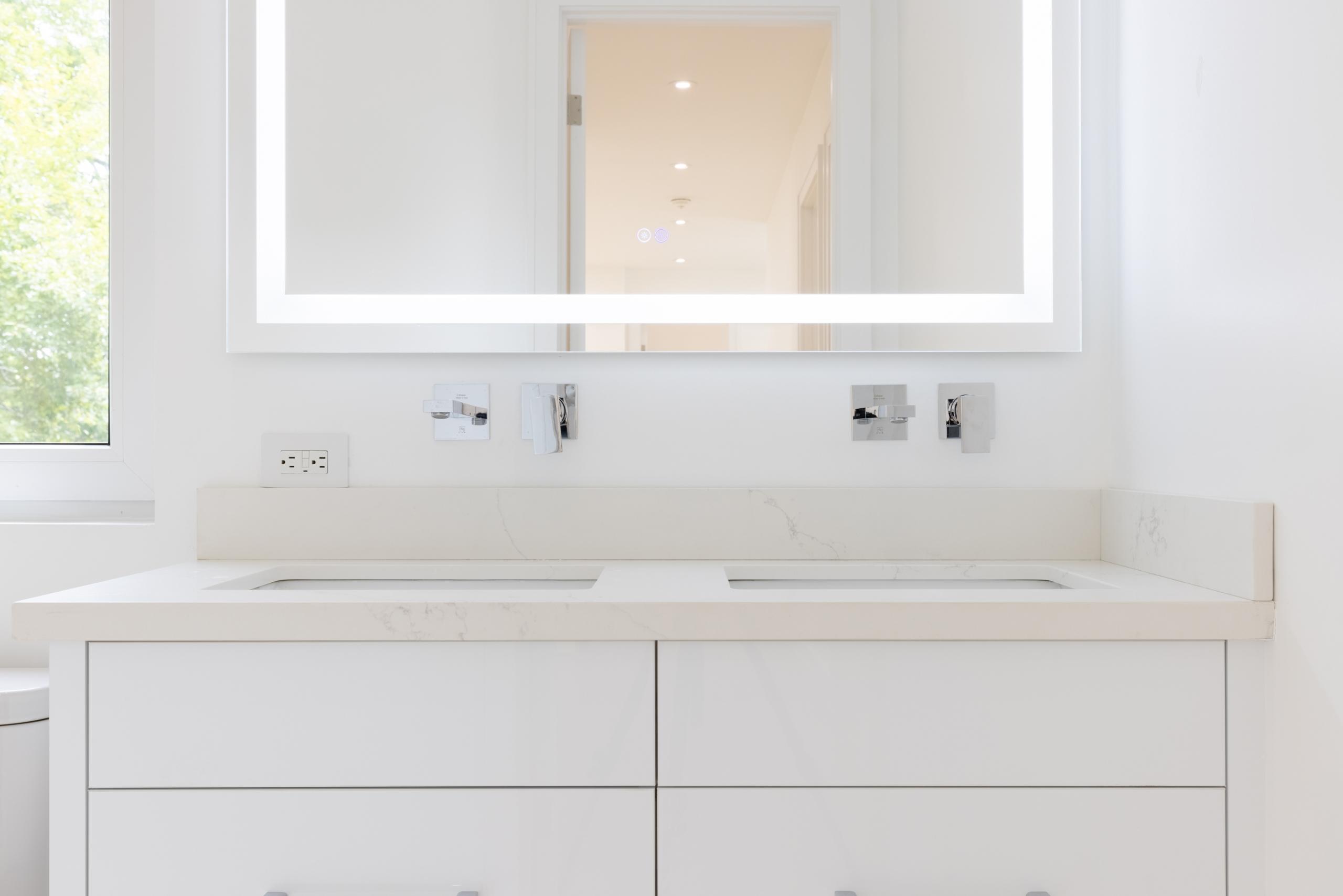 Bathroom featured at 287 Sabel Street, Oakville, ON at Alex Irish & Associates