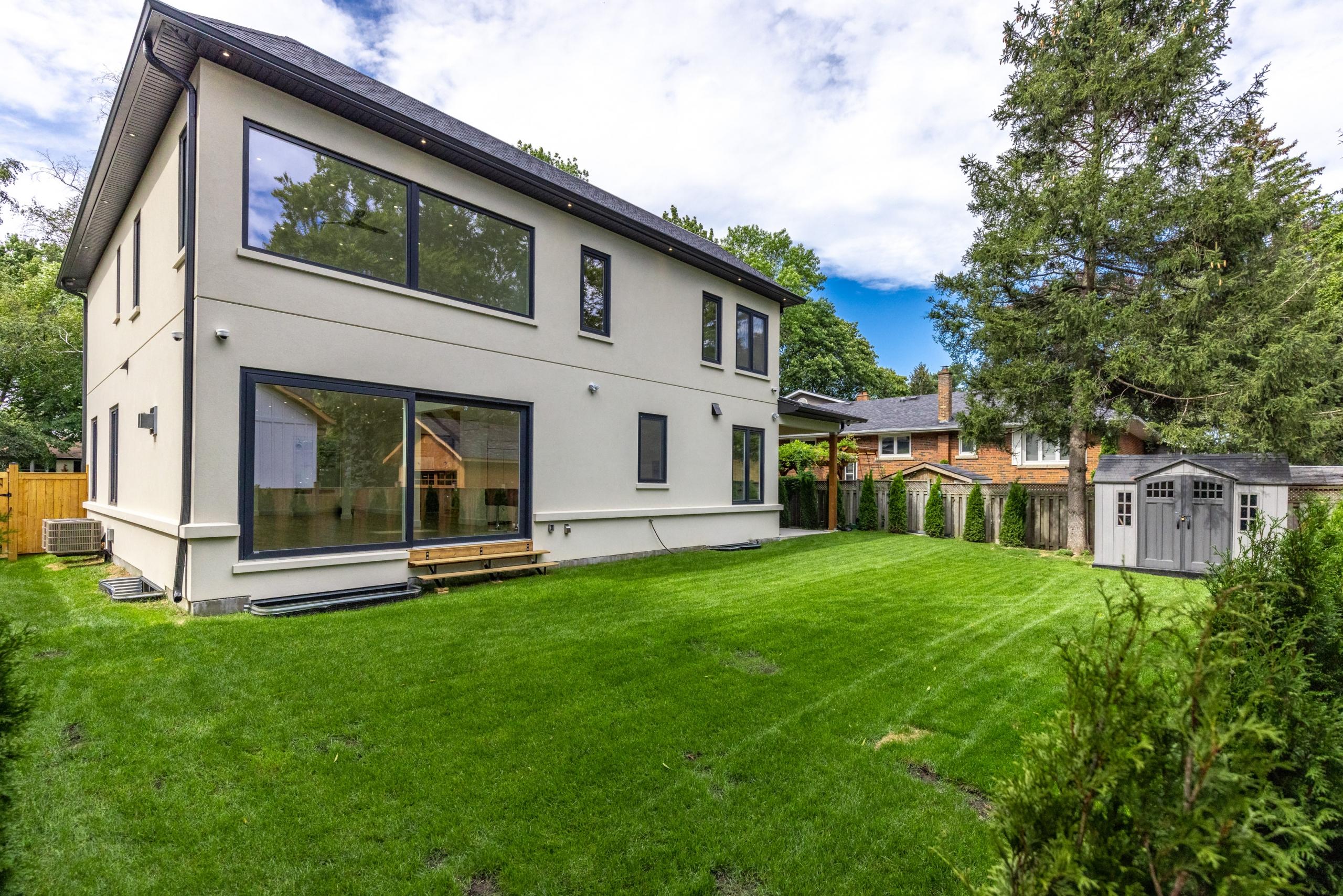 Garden featured at 287 Sabel Street, Oakville, ON at Alex Irish & Associates