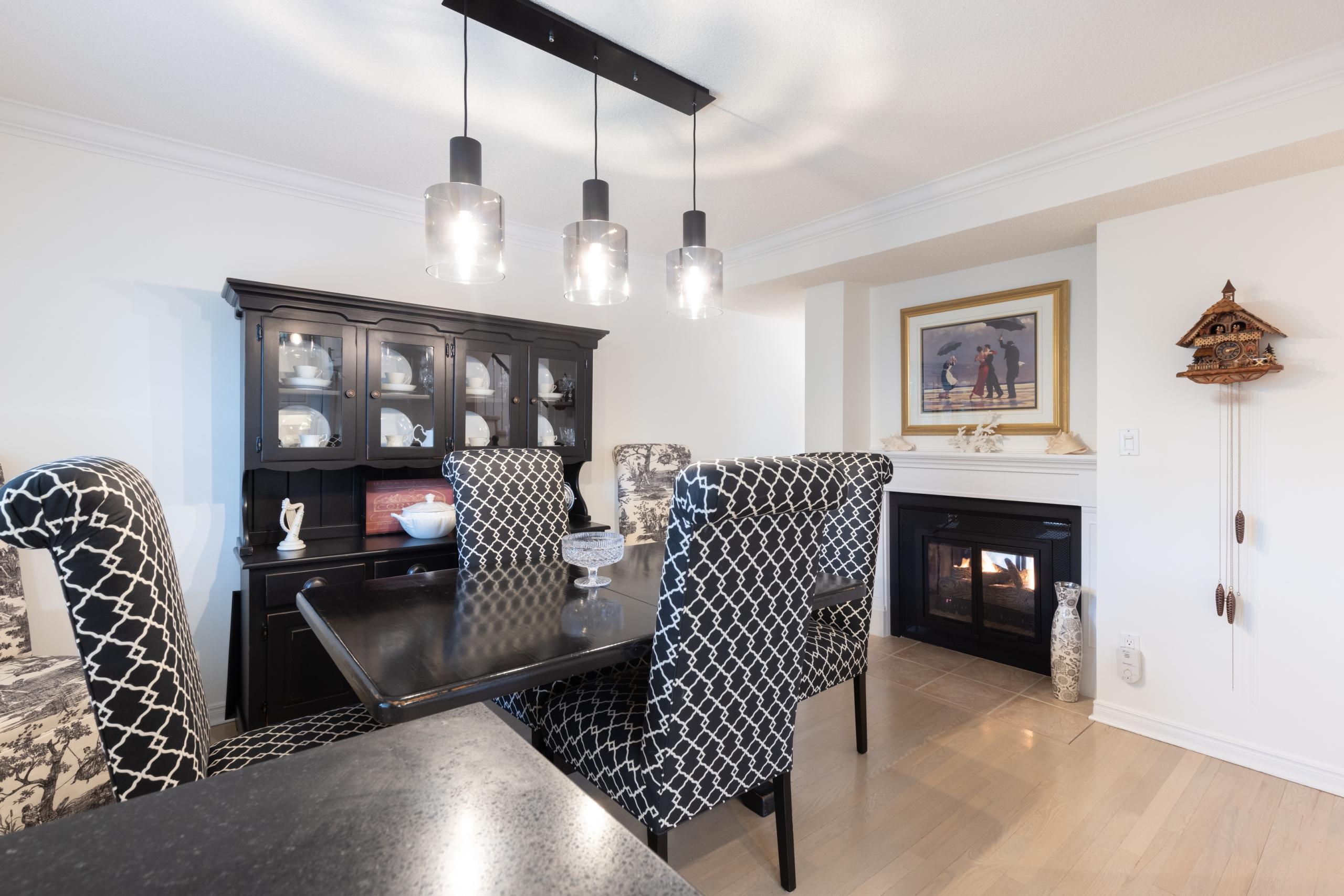 Dining room featured at 16-2299 Marine Drive, Oakville, ON at Alex Irish & Associates