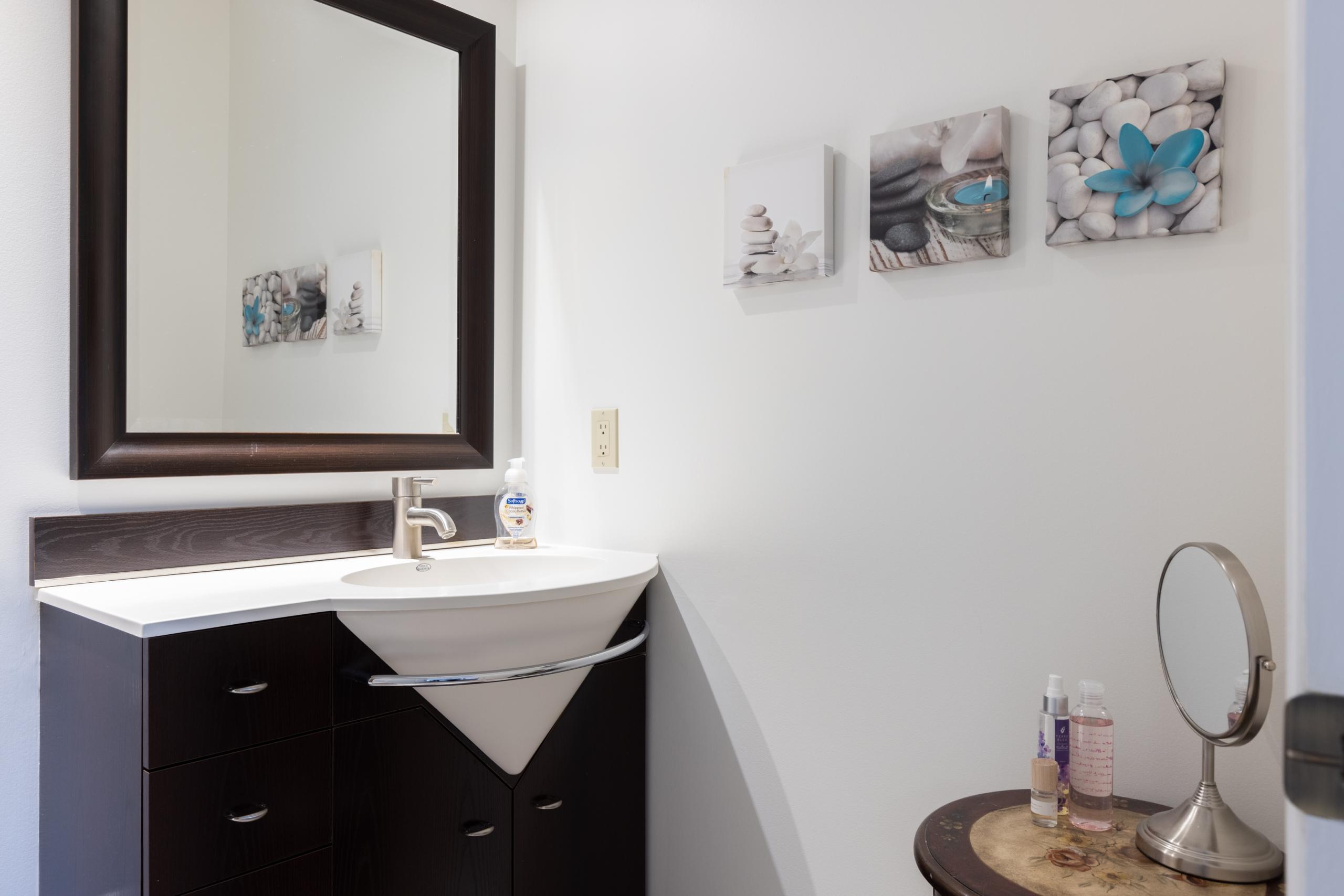 Bathroom featured at 16-2299 Marine Drive, Oakville, ON at Alex Irish & Associates